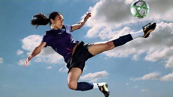 girlsfootball2.jpg
